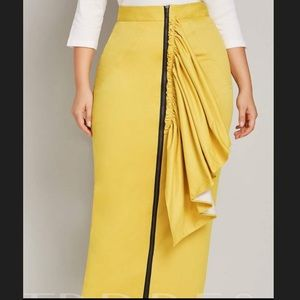 Dresses & Skirts - Yellow zipper front maxi skirt BRAND NEW!